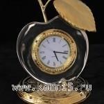 Настольные часы в виде яблока