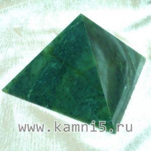 piramida-iz-nefrita