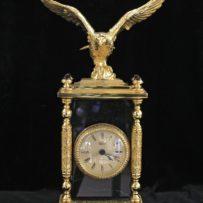 Настольные часы с орлом