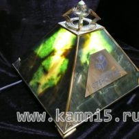 Нефритовая пирамида с подсветкой