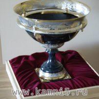 Позолоченная чаша из яшмы