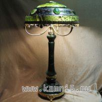Лампа из нефрита с топазами